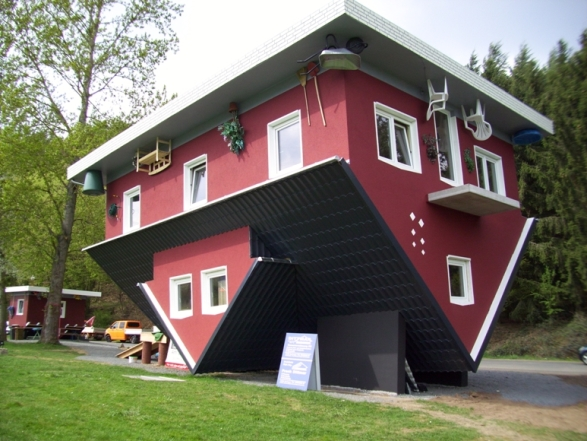 Haus Auf Dem Kopf