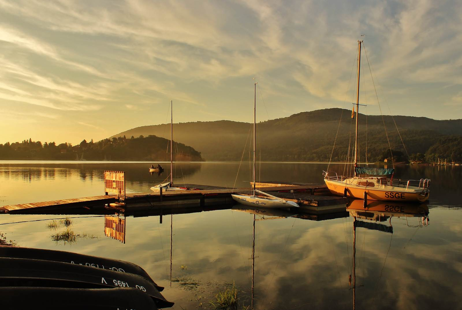 Boote am Edersee in der Abendsonne